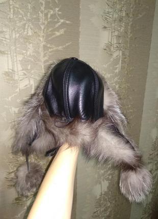Женская меховая шапка с мехом чернобурки