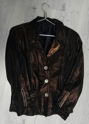 Нарядный  замшевый пиджак размер l