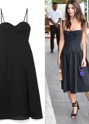 Чёрное коктейльное платье