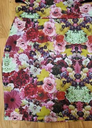 Изумительное платье 🌺💚♥️   по фигуре в шикарный🌺💚♥️ цветочный принт.