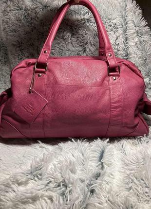 Шикарная вместительная кожаная сумка