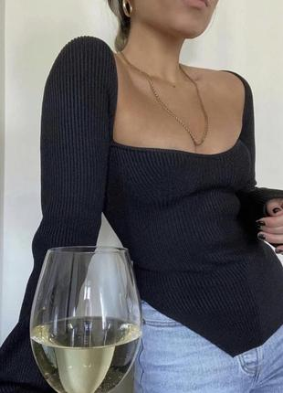 Топ свитер с актуальным вырезом🔝