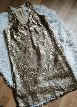 Блестящее платье в пайетки, р м