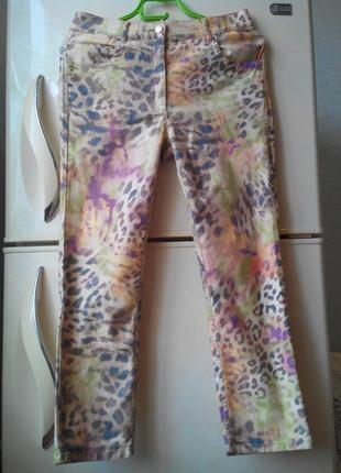 Zerres джинсы укороченные в анималистический принт