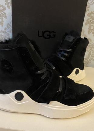 Женские теплые ботинки