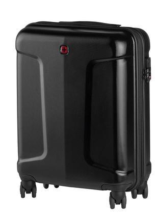 Черный чемодан из поликарбоната на роликах