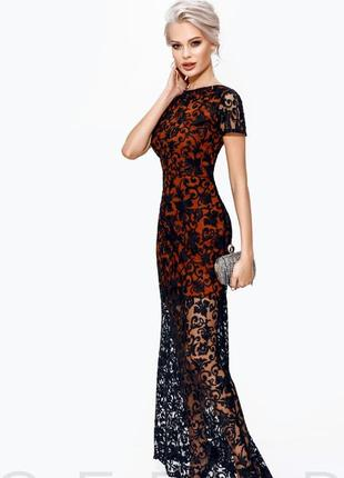 Длинное платье с контрастным кружевом