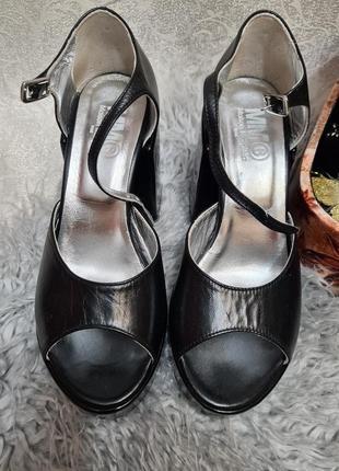 Крутезные туфли открытый носок босоножки на толстом каблуке maison margiela mm6 gucci