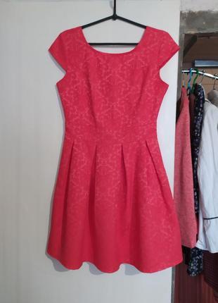 Яркое пышное короткое платье кружевное новогоднее праздничное