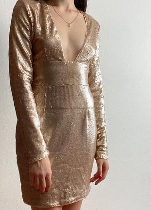 Илеальное вечернее платье