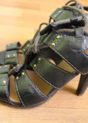 Босоножки на каблуке 37 размер