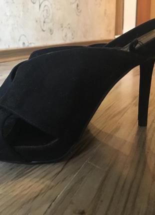 Офигенные нарядные туфли 38,5-39