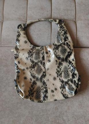 Стильная сумка r.pellini под рептилию , лаковая, плотная  эко-кожа2 фото