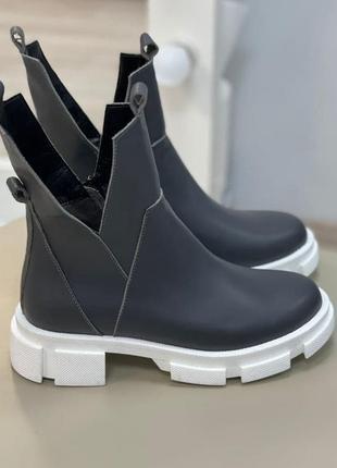 Стильные ботинки натуральная итальянская кожа