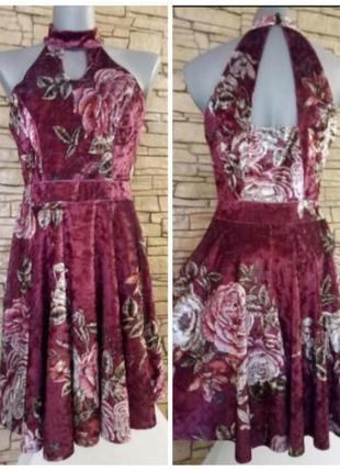 Велюровое платье в крупные цветы