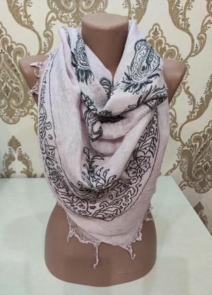 Тонкий шейный платок