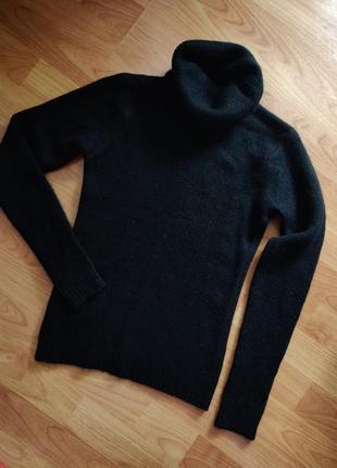 Черный ангоровый гольф свитер