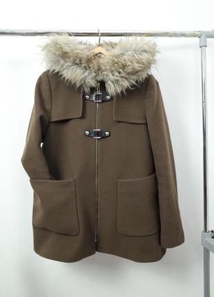 Шерстяное пальто с меховым капюшоном на молнии короткое полупальто