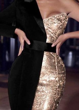 Платье чёрное с золотом