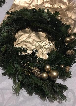 Різдвяні новорічні віночки з ялинки