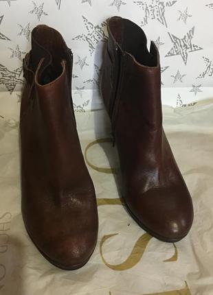 Новые кожаные итальянские ботинки