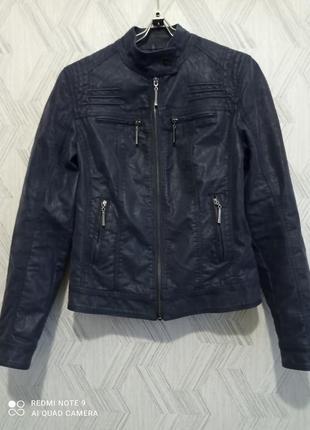 Куртка с искусственной кожи розмер м