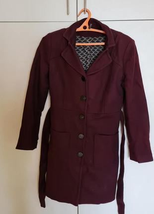 Стильне демісезонне пальто nafnaf