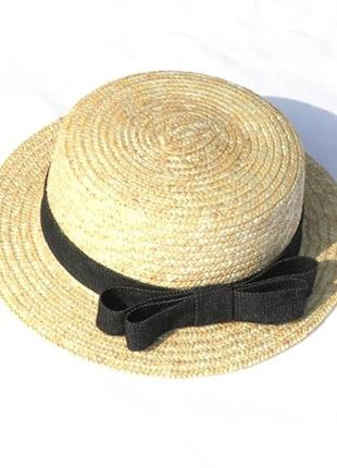 Взрослая  шляпка канотье из натуральной соломы с черным бантом