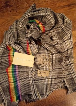 Огромный кашемировый шарф. от известного бренда. burberry london