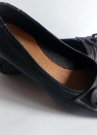 Туфли clarks новые р.42/8 е  на широкую ножку(нат. кожа)