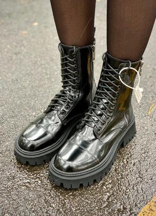 Balenciaga tractor fur (лаковые/мех) женские кожаные зимние ботинки черного цвета