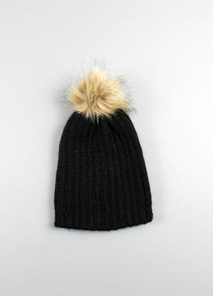 Тепла підліткова шапка с&a