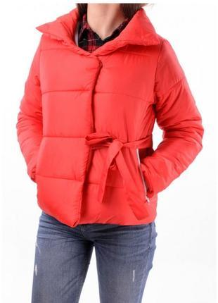 Теплая демисезонная куртка короткая укороченная куртка-одеяло зефирка куртка-зефирка