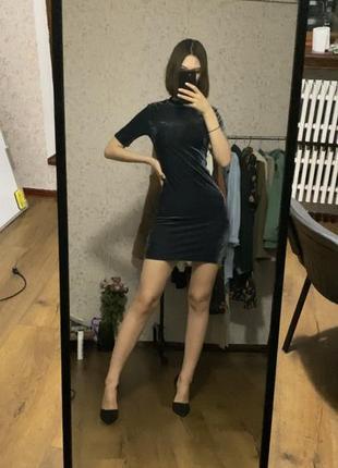Новогоднее велюровое платье мини