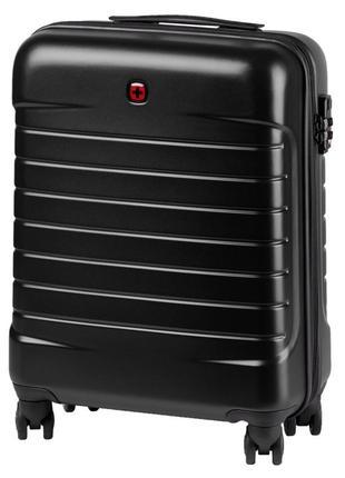 Черный компактный чемодан на колесах в самолет wenger