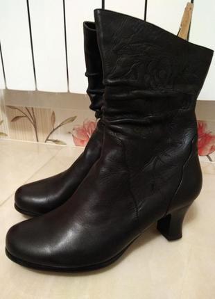 Чёрные женские сапоги сапожки на каблуке вышивка натуральная кожа демисезон
