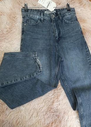 Женские джинсы мом fit серо-голубые