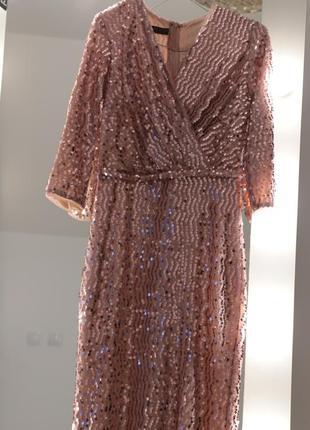 Нарядное платье из пайеток