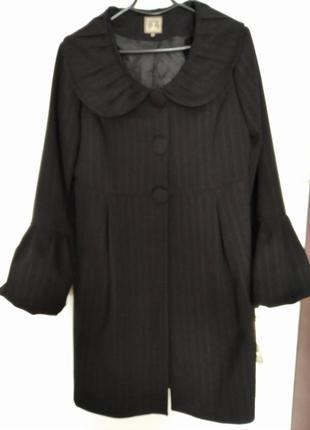 Элегантное стильное пальто