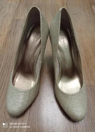 Нарядные туфли на высоком каблуке.р 37-37.5 m&s