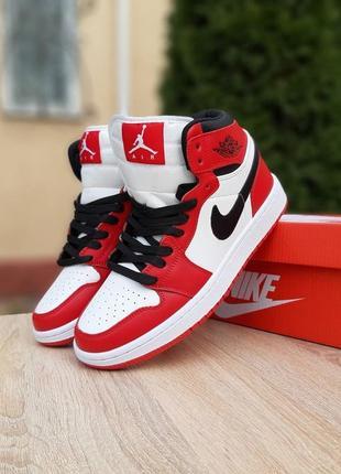 Nike air jordan 1 retro белые с красным