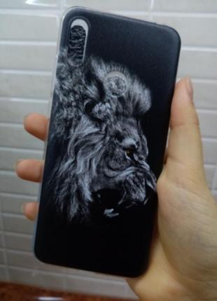 Чехол на телефон huawei со львом