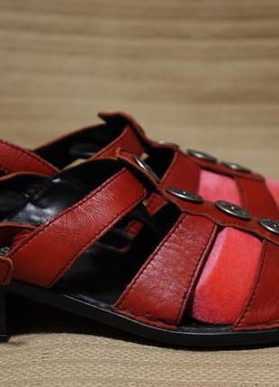 Необычайно комфортные открытые кожаные босоножки josef seibel. 38 р.