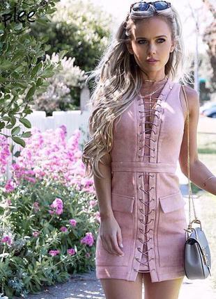 Шикарное платье на шнуровке