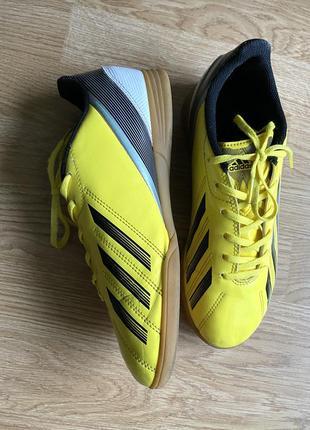 Кросівки футзалки adidas оригінальні, 24,5 см устілка.