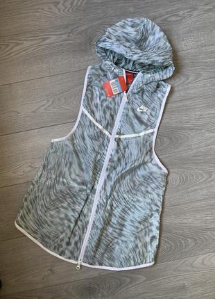 Nike, стильная женская нейлоновая жилетка, безрукавка, р. м. оригинал. найк