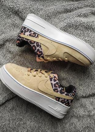 Крутые замшевые кроссовки