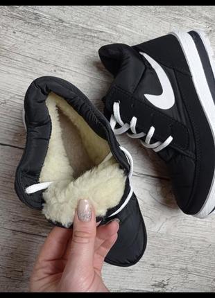 Высокие кроссовки на плотном меху 36-40