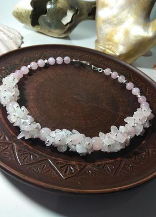 Ожерелье (чокер)из натуральных камней розовый кварц разной огранки