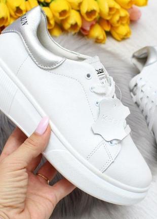 Кроссовки белые женские ,в наличии в 3х вариантах)))